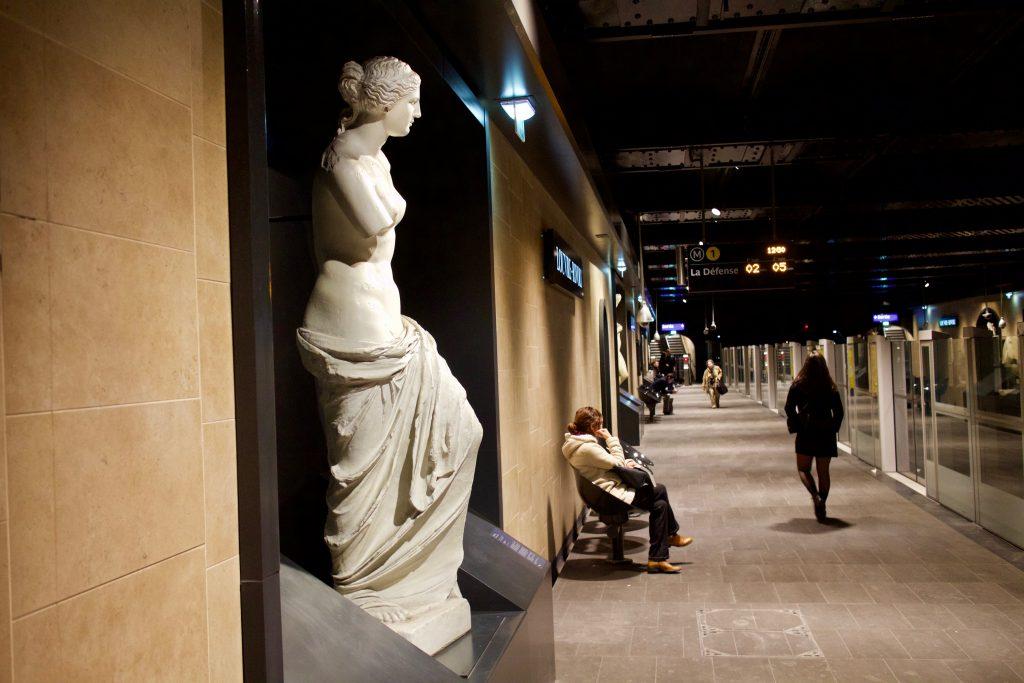 Station de métro Louvre-Rivoli